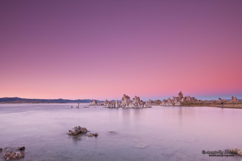 IMAGE: http://lukich.smugmug.com/Landscapes/Sunset/i-tHD2FQG/0/XL/201110133381-XL.jpg