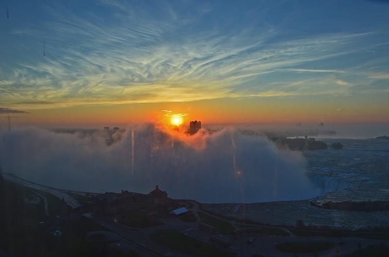 Sun rising over the Niagara Falls