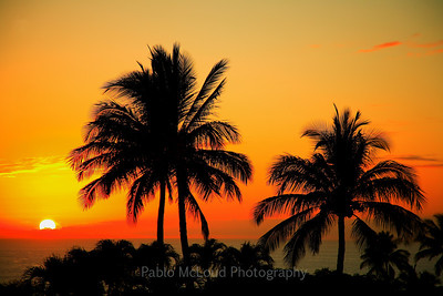 "The idyllic and ""generic"" Hawaii sunset photo."
