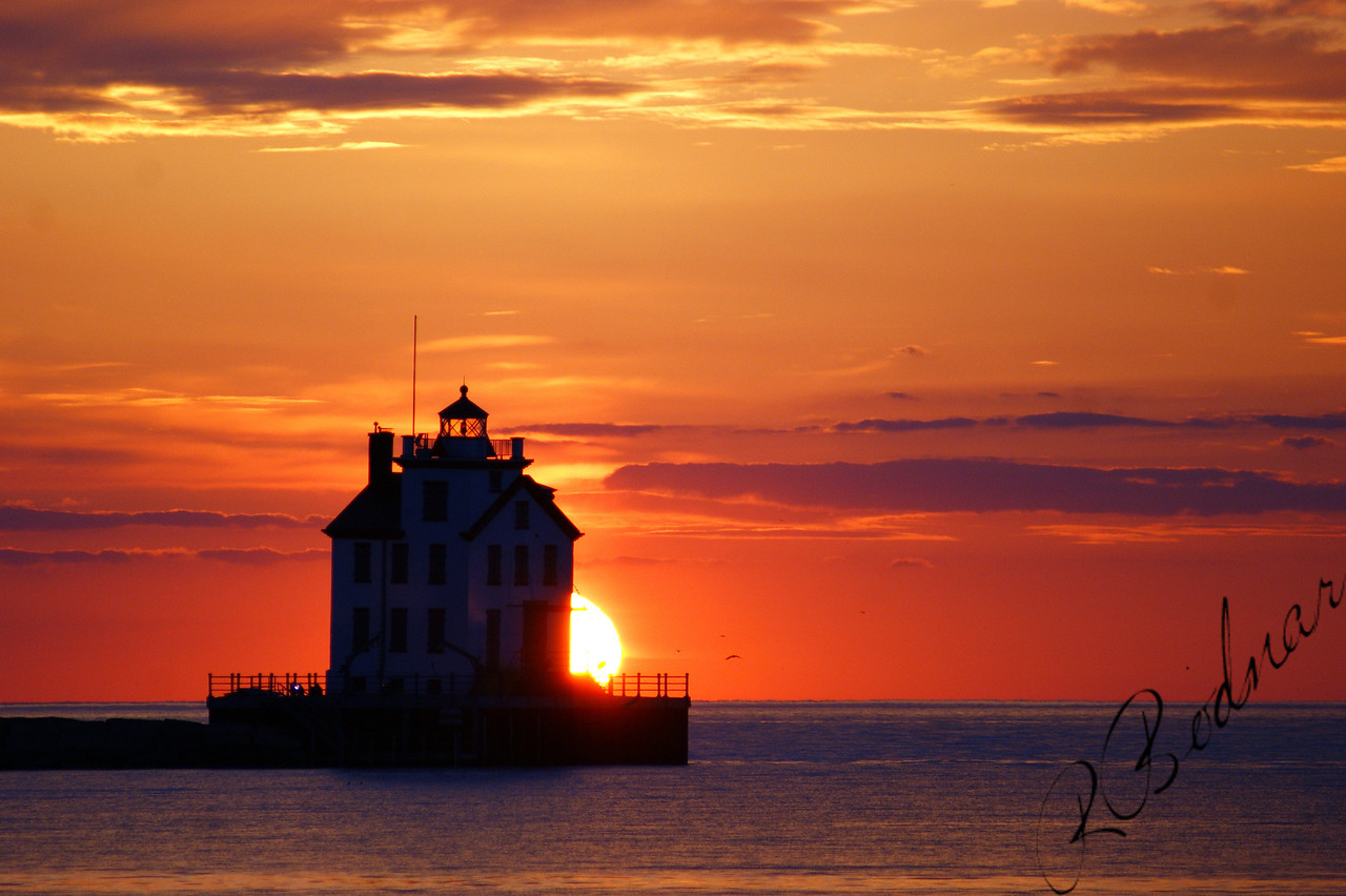 Photo By Robert Bodnar.................................Lorain Sunset
