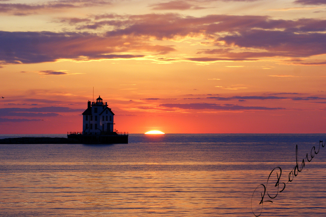 Photo By Robert Bodnar.......................................Lorain Lighthouse