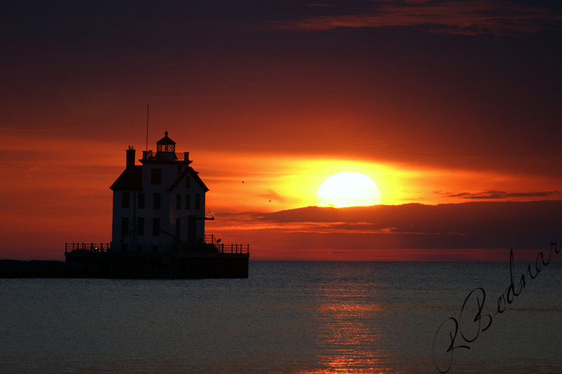 Photo By Robert Bodnar................................Lorain Lighthouse