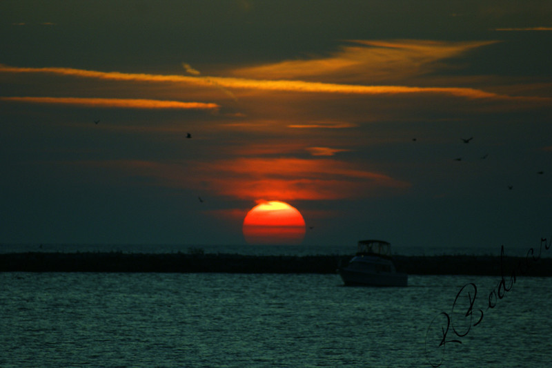Photo By Robert Bodnar..........  A  Lake Erie Sunset