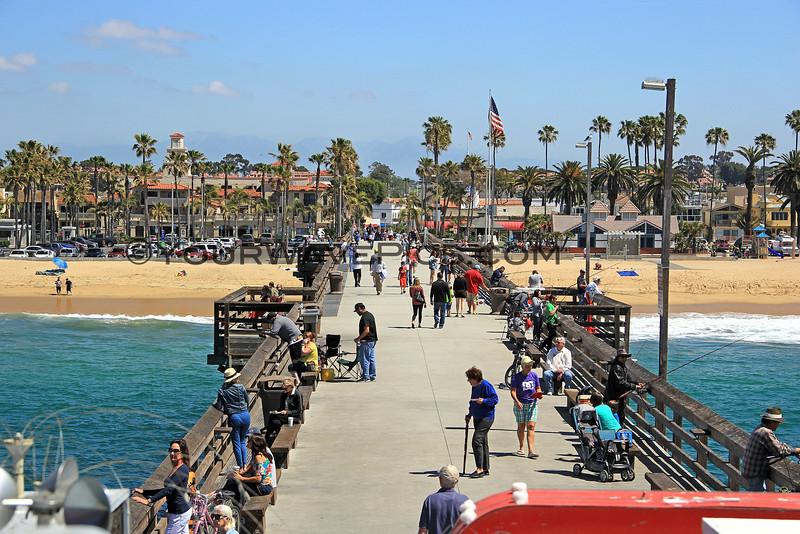 2016-04-22_Balboa Pier from Ruby's_2035.JPG