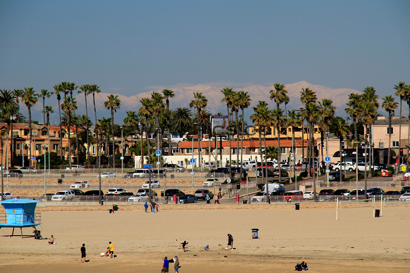 2019-02-07_HB Pier Snow View_4.JPG<br /> <br /> A rare day when snow-covered mountains are visible from the Huntington Beach Pier!