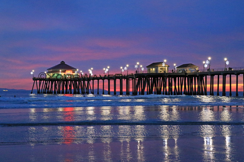 2020-12-13_HB Pier Sunset_15.JPG<br /> <br /> Love this time of year when the pier has it's extra sparkly snowflake lights!