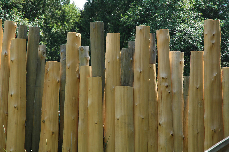 Now that's a cool fence