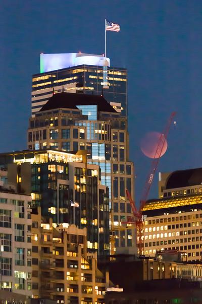 Lunar Eclipse — Seattle Skyscraper – 27 Sep 2015