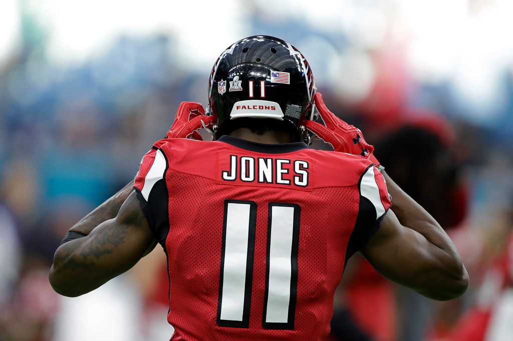 . Atlanta Falcons\' Julio Jones warms up before the NFL Super Bowl 51 football game against the New England Patriots Sunday, Feb. 5, 2017, in Houston. (AP Photo/Darron Cummings)