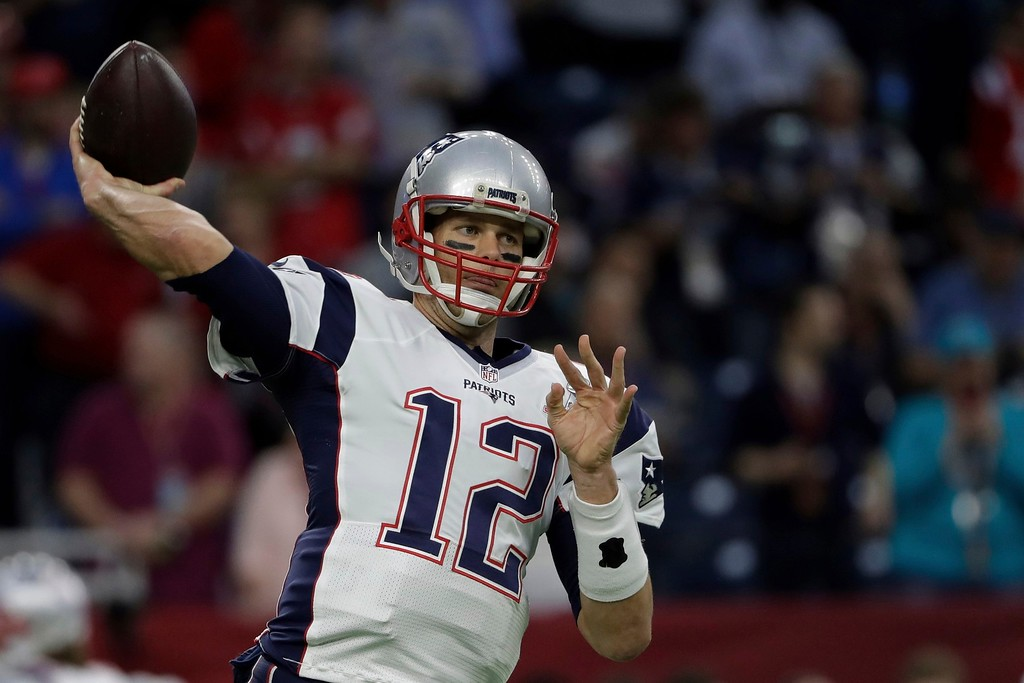 . New England Patriots\' Tom Brady warms up before the NFL Super Bowl 51 football game against the Atlanta Falcons, Sunday, Feb. 5, 2017, in Houston. (AP Photo/Matt Slocum)