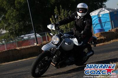 superbikecoach_corneringschool_2020_november22_Group-B_19