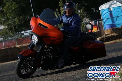 superbikecoach_corneringschool_2020_november22_Group-B_15