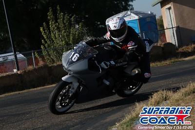 superbikecoach_corneringschool_2020_november22_Group-B_7