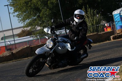 superbikecoach_corneringschool_2020_november22_Group-B_5