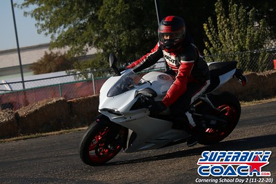 superbikecoach_corneringschool_2020_november22_Group-B_11
