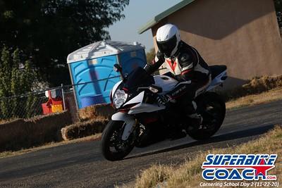 superbikecoach_corneringschool_2020_november22_Group-B_1