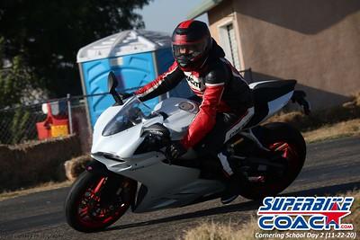 superbikecoach_corneringschool_2020_november22_Group-B_25