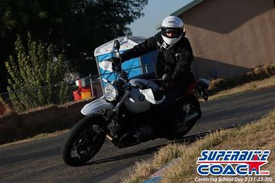 superbikecoach_corneringschool_2020_november22_Group-B_4