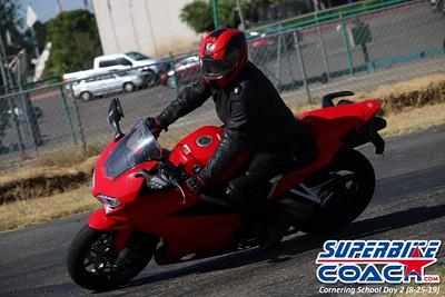 superbikecoach_corneringschool_2019aug29_GroupA_22