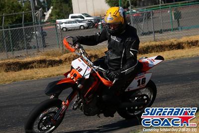 superbikecoach_corneringschool_2019aug29_GroupA_2