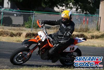 superbikecoach_corneringschool_2019aug29_GroupA_13