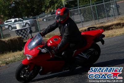 superbikecoach_corneringschool_2019aug29_GroupA_23