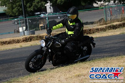 superbikecoach_corneringschool_2019aug29_GroupA_16