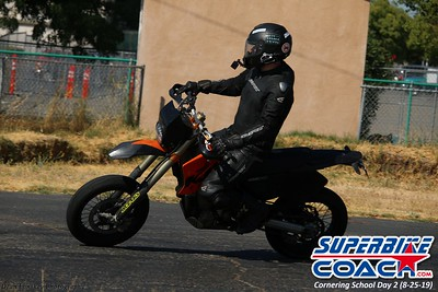superbikecoach_corneringschool_2019aug29_GroupA_3