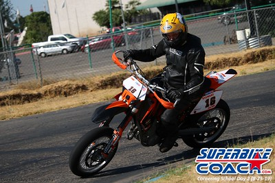 superbikecoach_corneringschool_2019aug29_GroupA_27