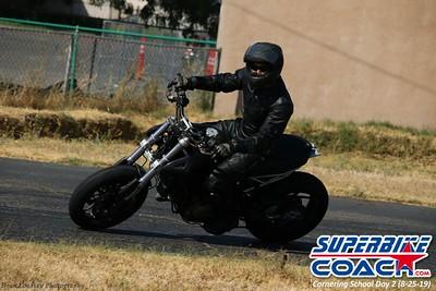 superbikecoach_corneringschool_2019aug29_GroupB_12