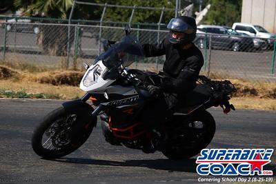 superbikecoach_corneringschool_2019aug29_GroupB_11