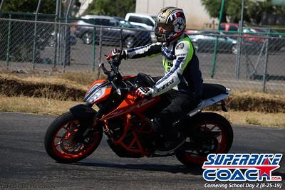 superbikecoach_corneringschool_2019aug29_GroupB_24