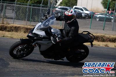superbikecoach_corneringschool_2019aug29_GroupB_20