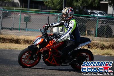 superbikecoach_corneringschool_2019aug29_GroupB_23