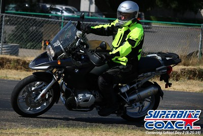 superbikecoach_corneringschool_2019aug29_GroupB_28