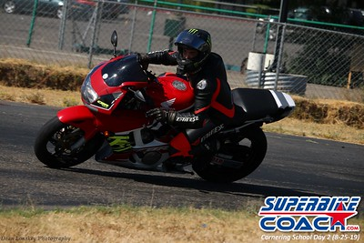 superbikecoach_corneringschool_2019aug29_GroupB_14