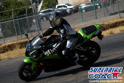 superbikecoach_corneringschool_2019aug29_GroupC_12