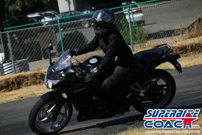 superbikecoach_corneringschool_2019aug29_GroupC_20