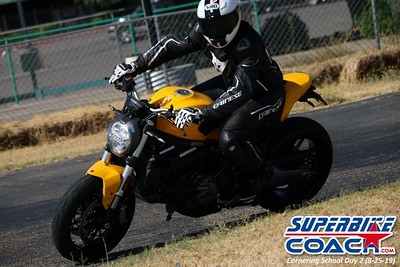superbikecoach_corneringschool_2019aug29_GroupC_7