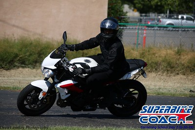 superbikecoach_corneringschool_2019june30_GroupB_1