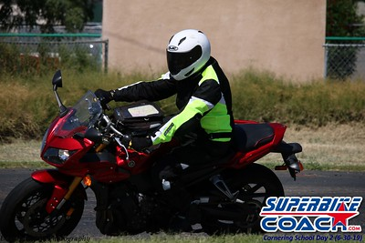 superbikecoach_corneringschool_2019june30_GroupB_4