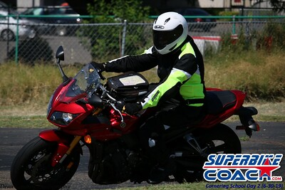 superbikecoach_corneringschool_2019june30_GroupB_5