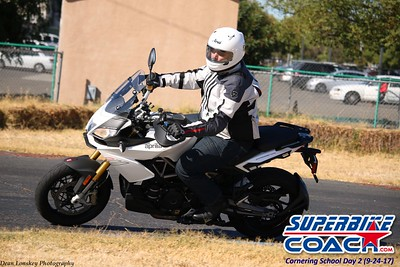 superbikecoach_corneringschool_2017september24_4