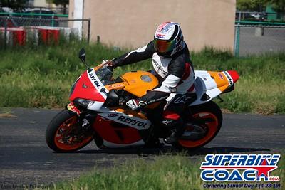 superbikecoach_corneringschool_2019april28_groupA_15
