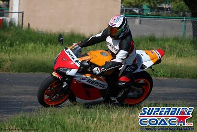 superbikecoach_corneringschool_2019april28_groupA_3