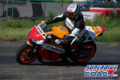 superbikecoach_corneringschool_2019april28_groupA_16