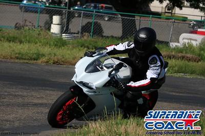 superbikecoach_corneringschool_2019april28_groupB_9