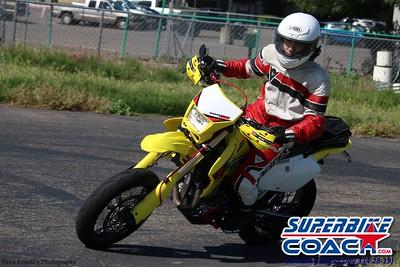 superbikecoach_corneringschool_2019april28_groupB_21