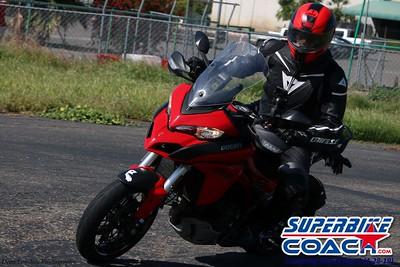 superbikecoach_corneringschool_2019april28_groupB_22