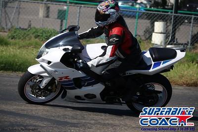 superbikecoach_corneringschool_2019april28_groupB_26